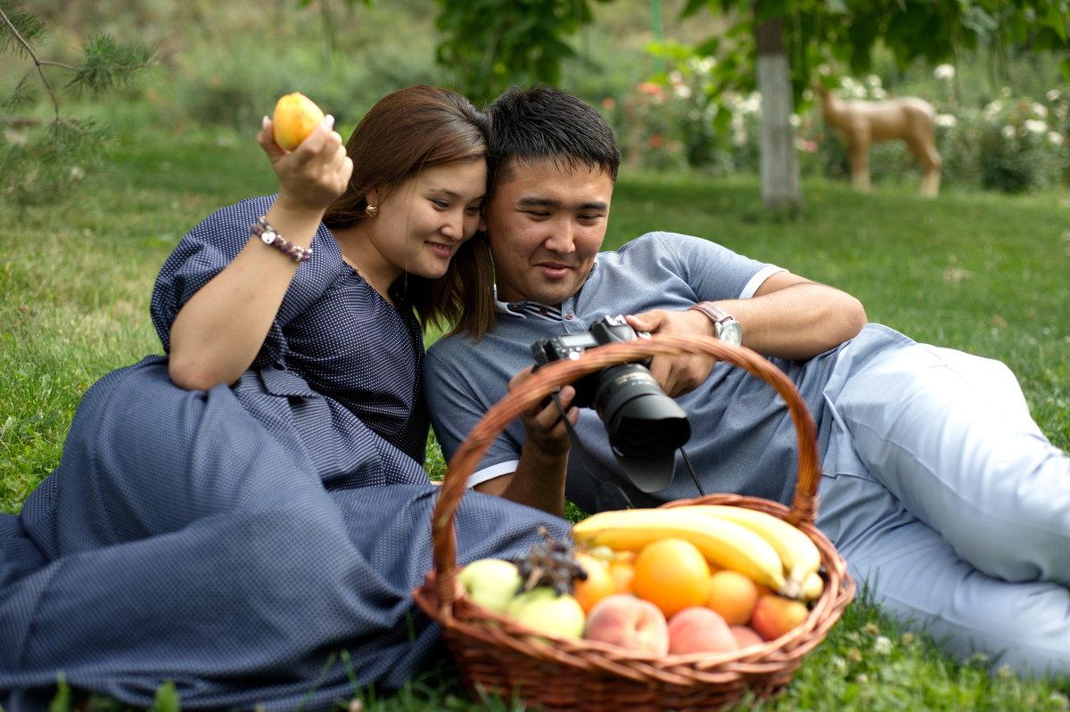 Ролан и Дана - Бахытжан Акботаев