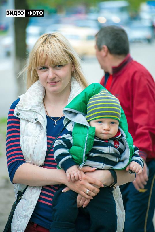 Прогулка с малышом - Антуан Мирошниченко