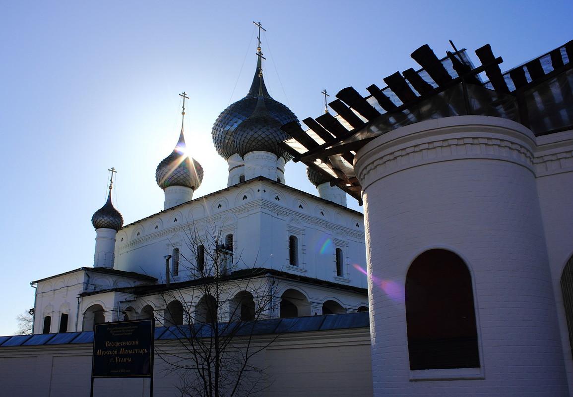 Углич-солнце в куполах - boris kantor