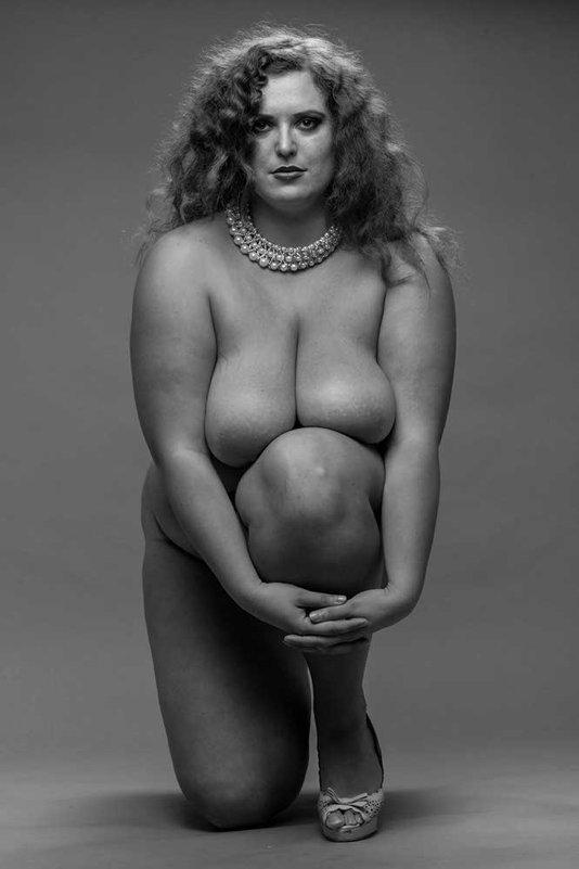 Качественное Фото Обнаженных Полных Женщин В Возрасте