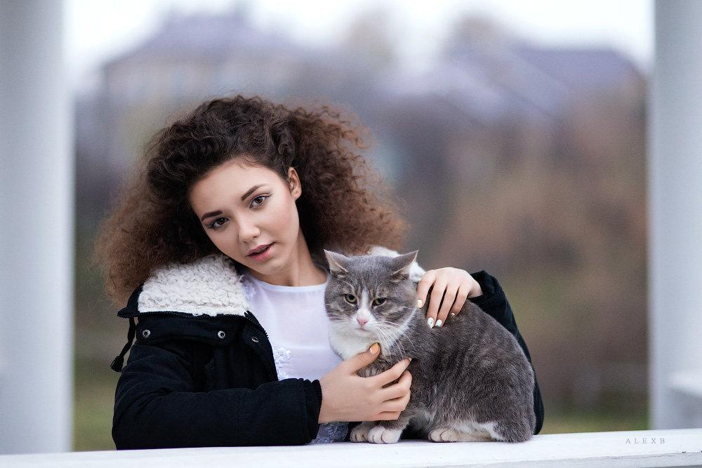 В - Алексей Иванов