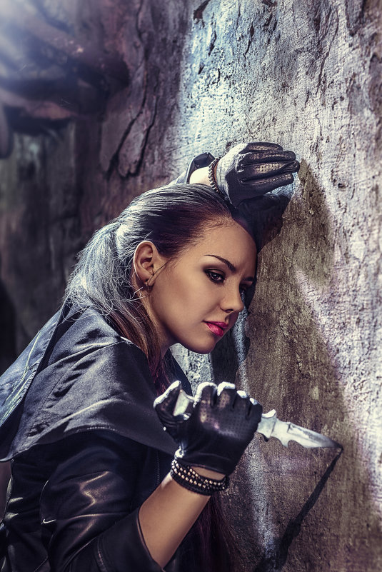 Девушка с ножом - Анна Шелест