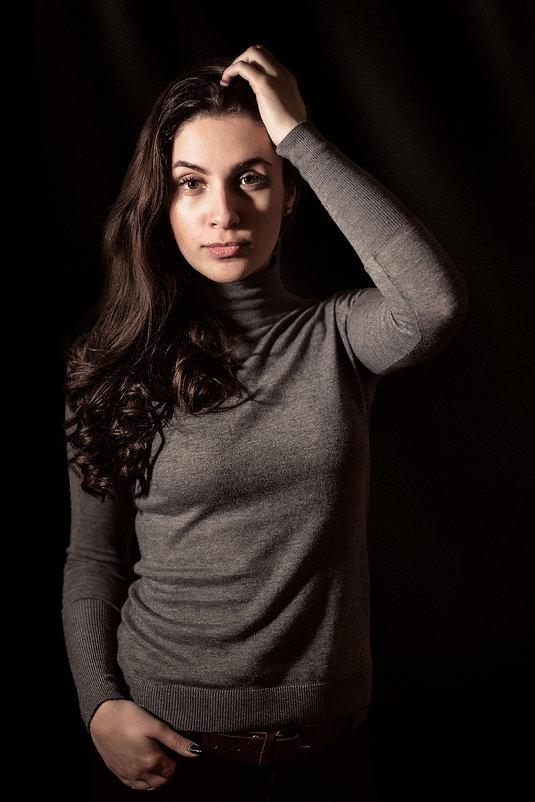 Портрет женский - Максим Калинин