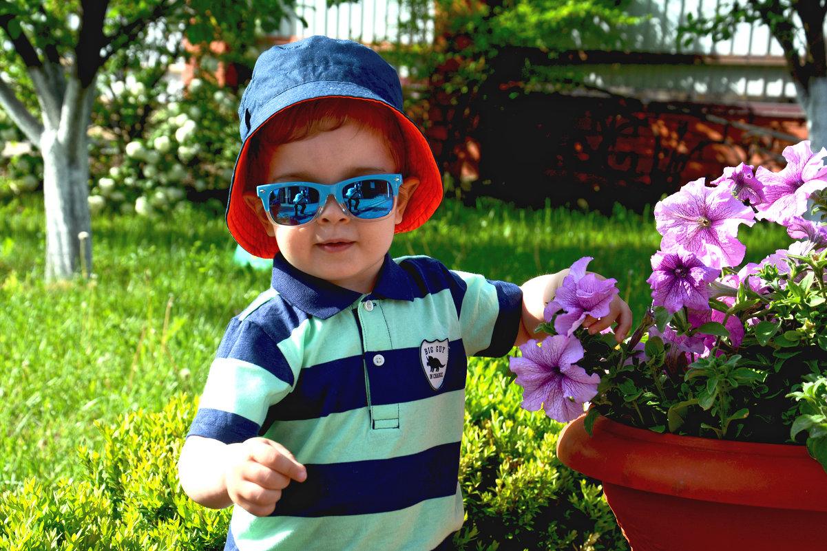 Лето в саду. - Евгений Кузнецов