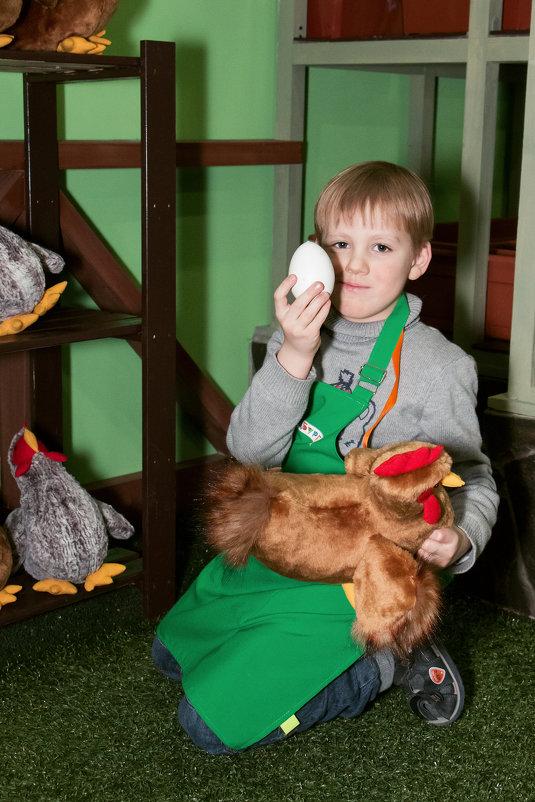 Наши в Кидбурге. На ферме. Секретная работа - закладывание яиц в куриц для будущих покалений - Дарья Казбанова