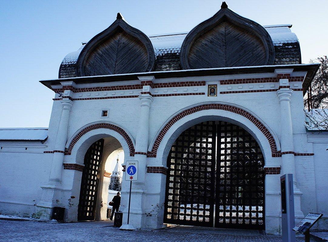 Спасские (Задние) ворота  со Стрелецкими караульнями, 1673 г. , ансамбль усадьбы Коломенское - Елена Павлова (Смолова)