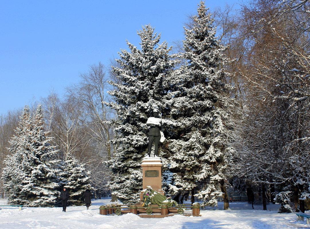 Памятник Пётру Васильевичу Волоху (30.12.1896 - 25.08.1943) - Валентина ツ ღ✿ღ