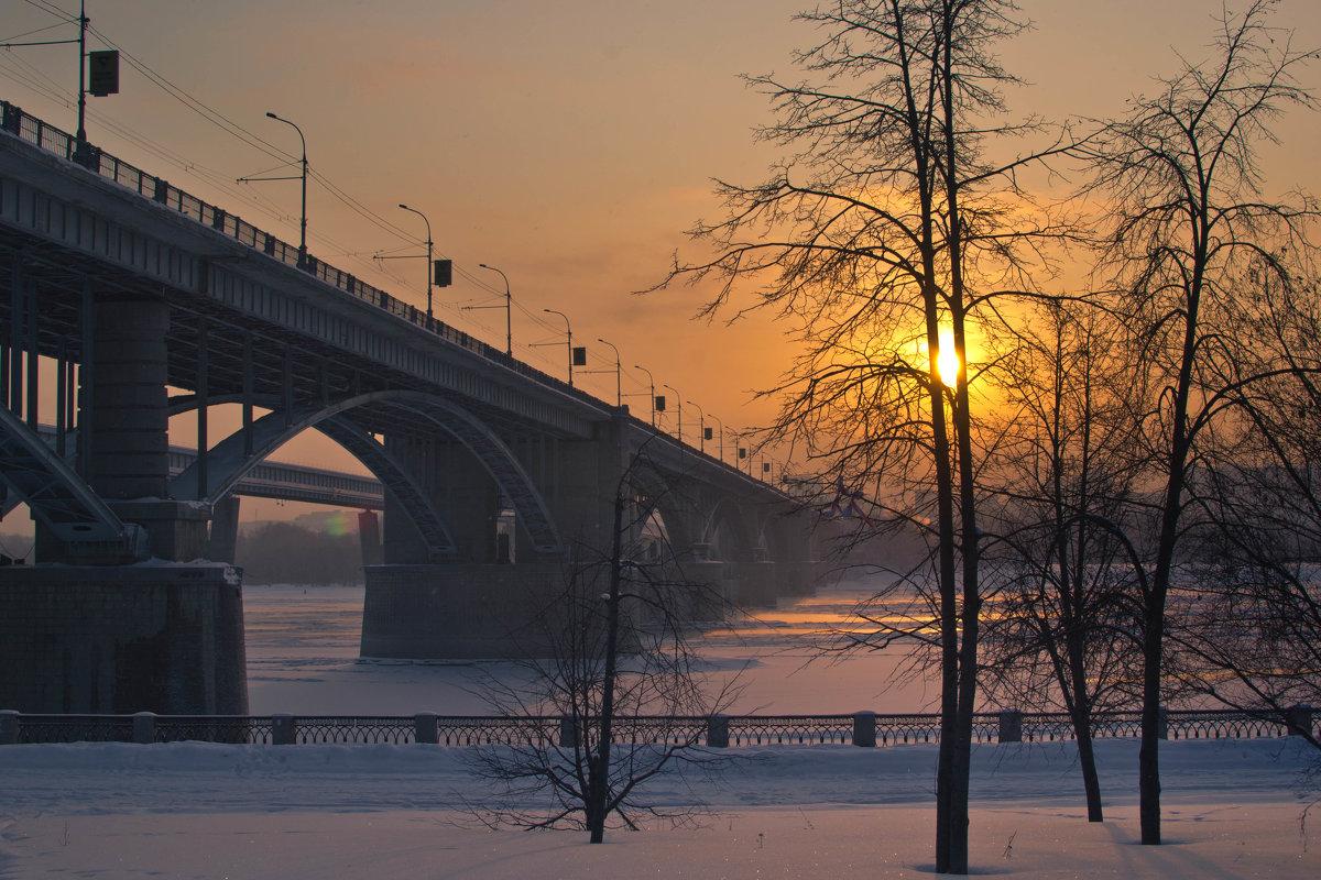 Октябрьский мост и закат. - cfysx