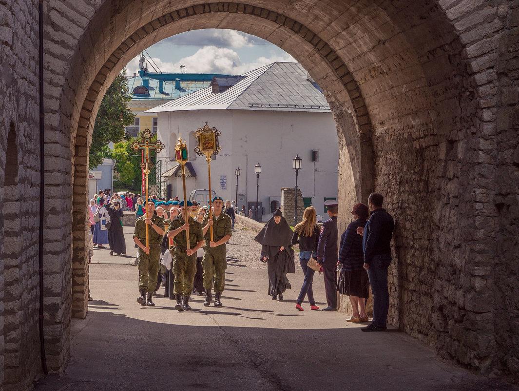 Крестный ход в день княгини Ольги. - Сергей Исаенко