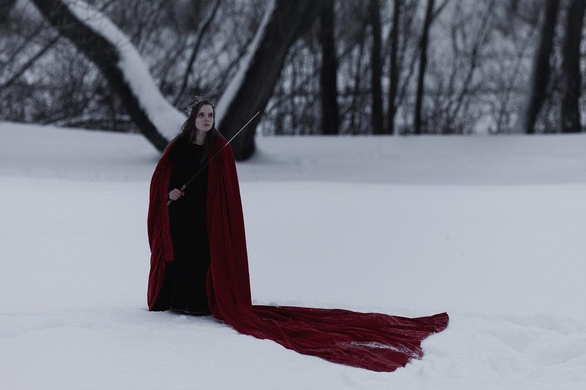 Red Queen - DewFrame [Kozlova+Yagodinsky]