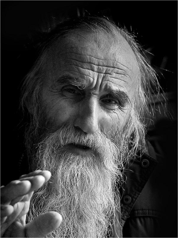 Собеседник - Юрий Храмутичев