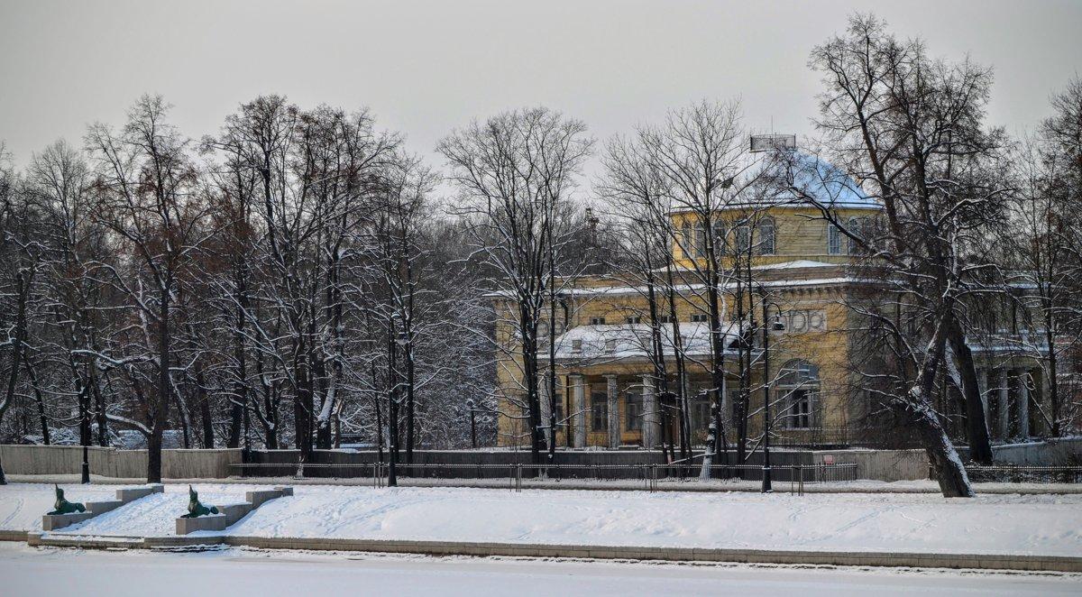 Дача Ольденбургского на Каменном острове - Юрий Тихонов