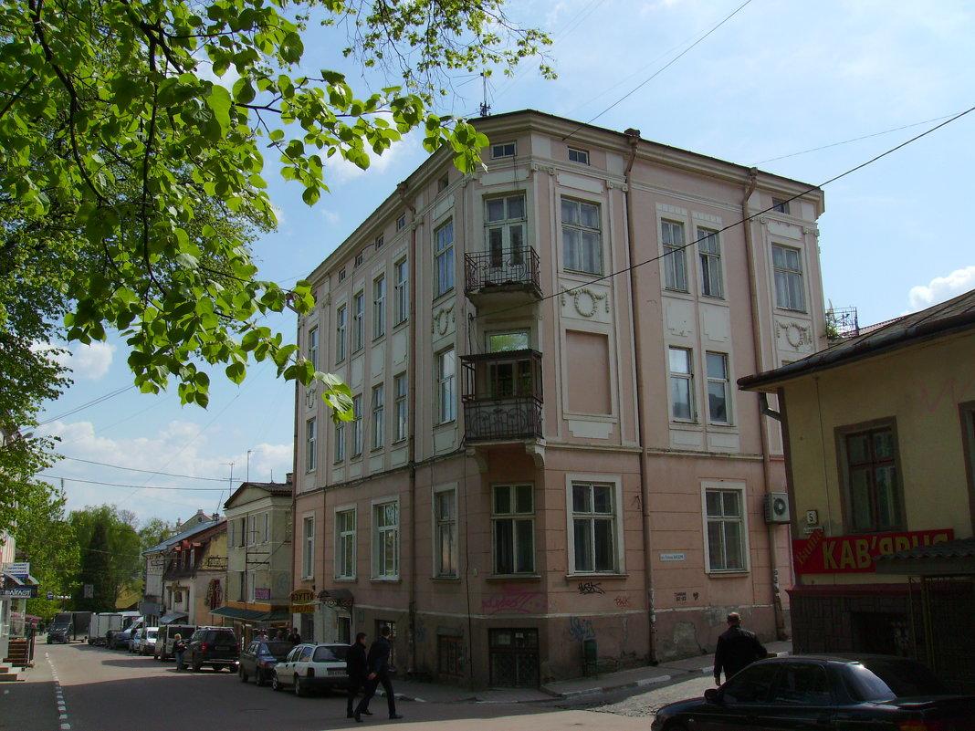 Жилой  дом  в  Дрогобыче - Андрей  Васильевич Коляскин