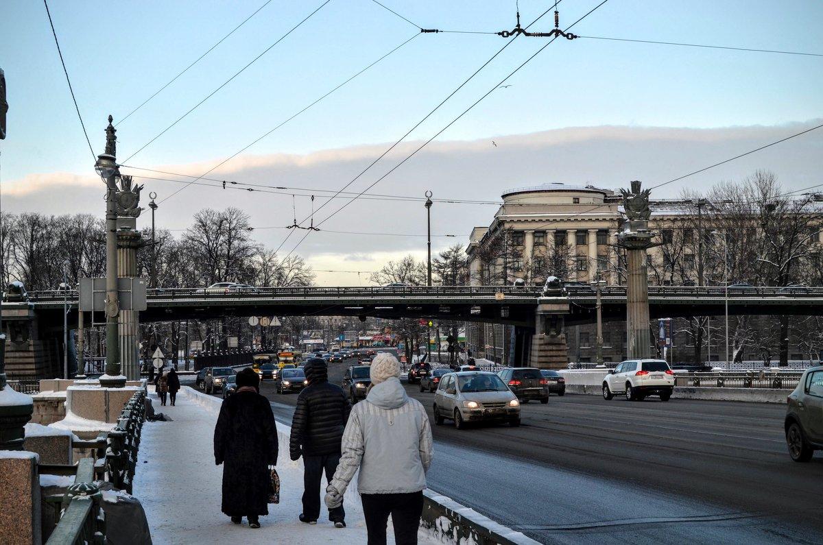 На Ушаковском мосту - Юрий Тихонов