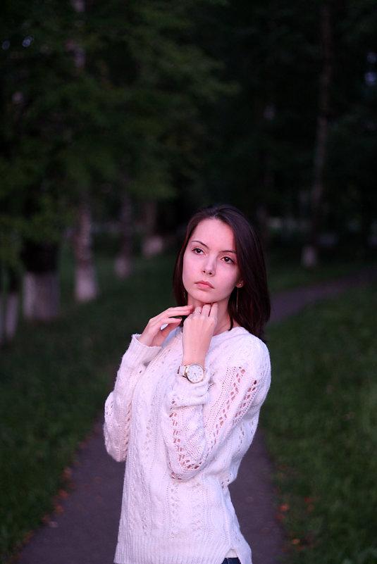 - - Юлия