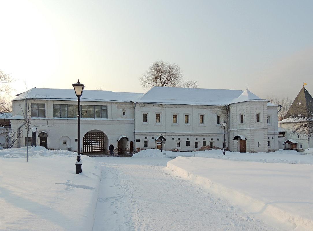 Святые ворота (XVII в., восстановлены в 1956-1961 гг.) - Музей Рублева. - Александр Качалин