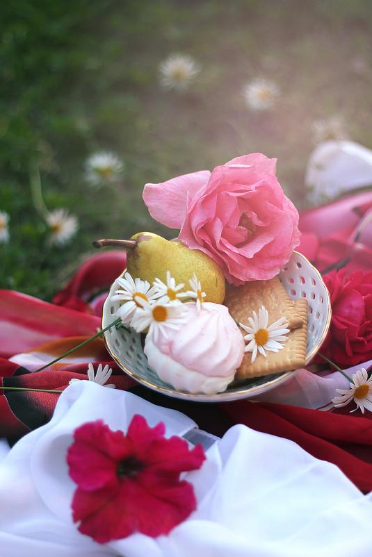 Натюрморт с розой - Алина Филимонова