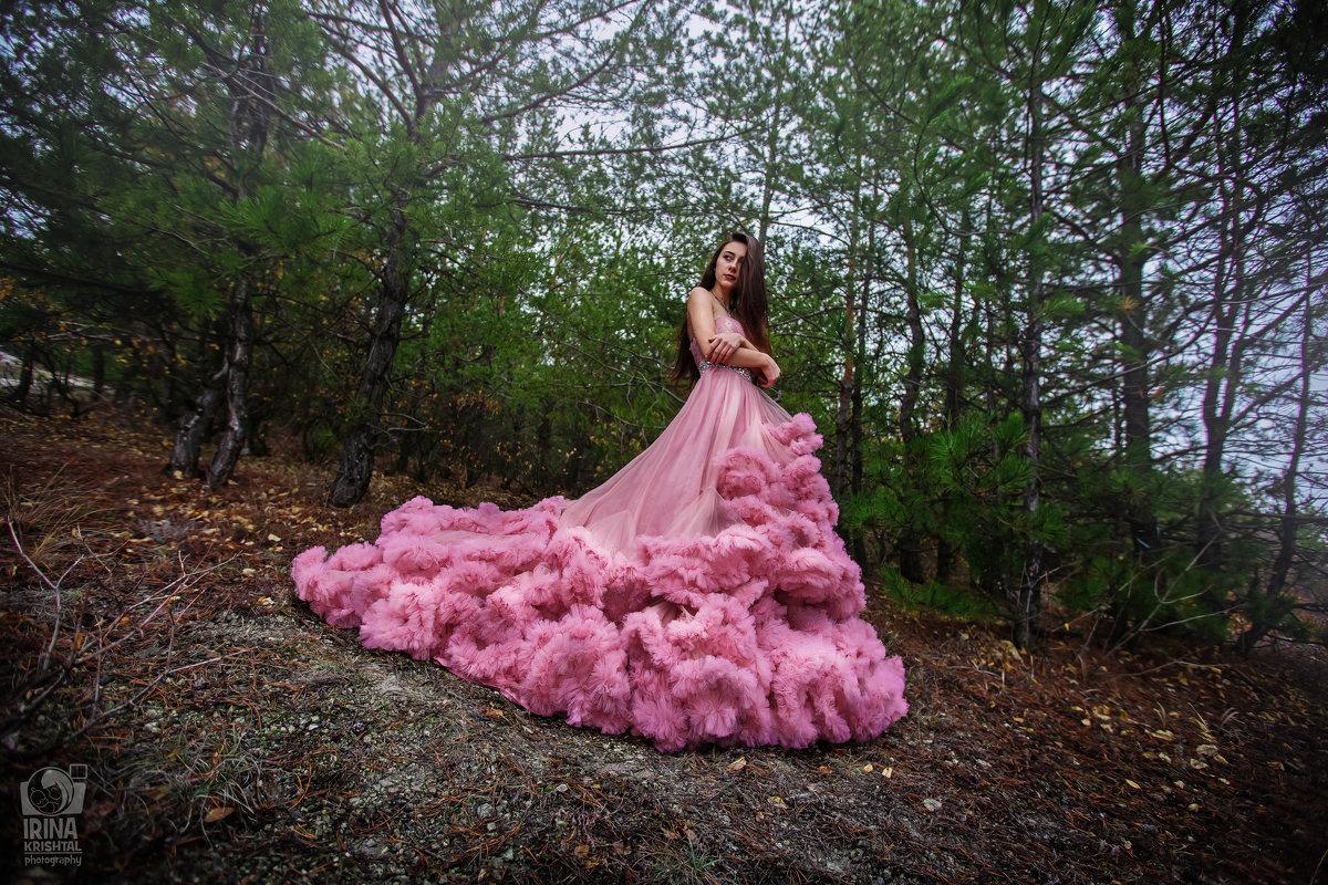 королева) - Iryna Crishtal