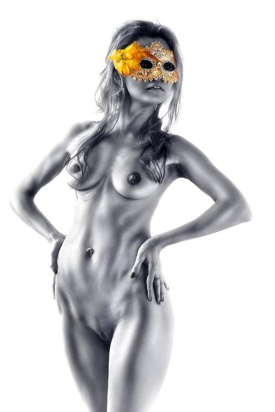 Ню в маске...3.. - Андрей Войцехов