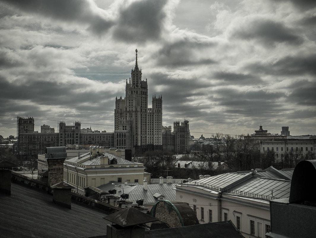 Весеннее небо над городом - Наталья Rosenwasser