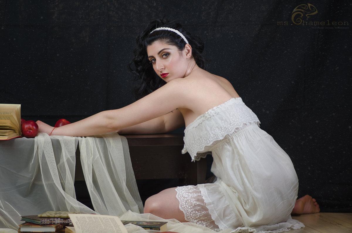 Девушка в белом - Оксана Резниченко