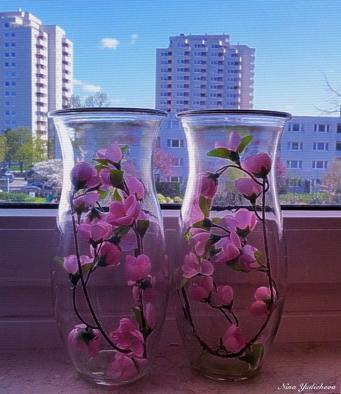 Сакура в вазах на подоконнике - Nina Yudicheva