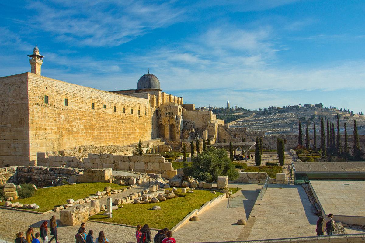 Иерусалим. Старый Город. Вид на дворец Хасмонеев и мечеть Аль-Акса. - Игорь Герман