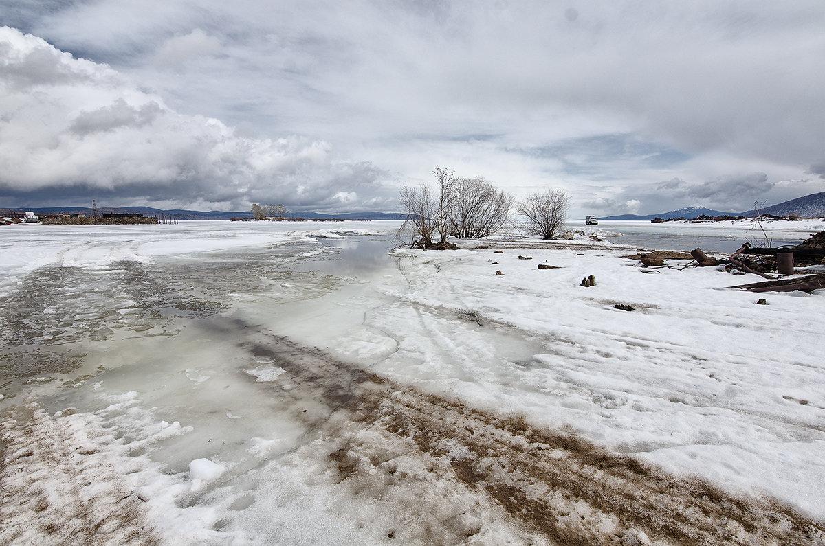 весна на реке - Маргарита Лапина