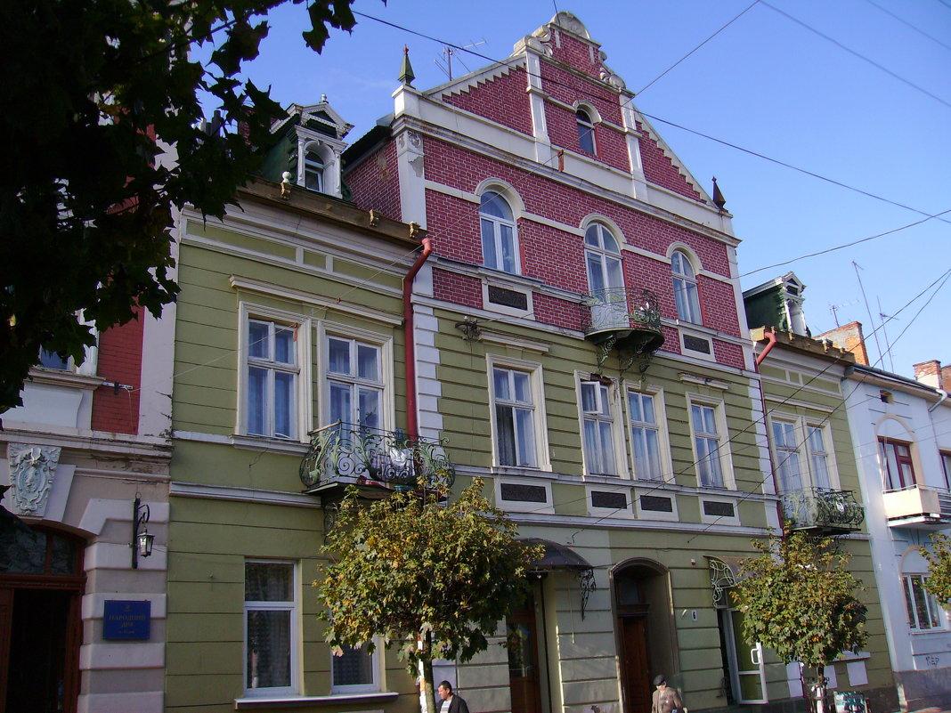 Жилой  дом  в  Стрыю - Андрей  Васильевич Коляскин