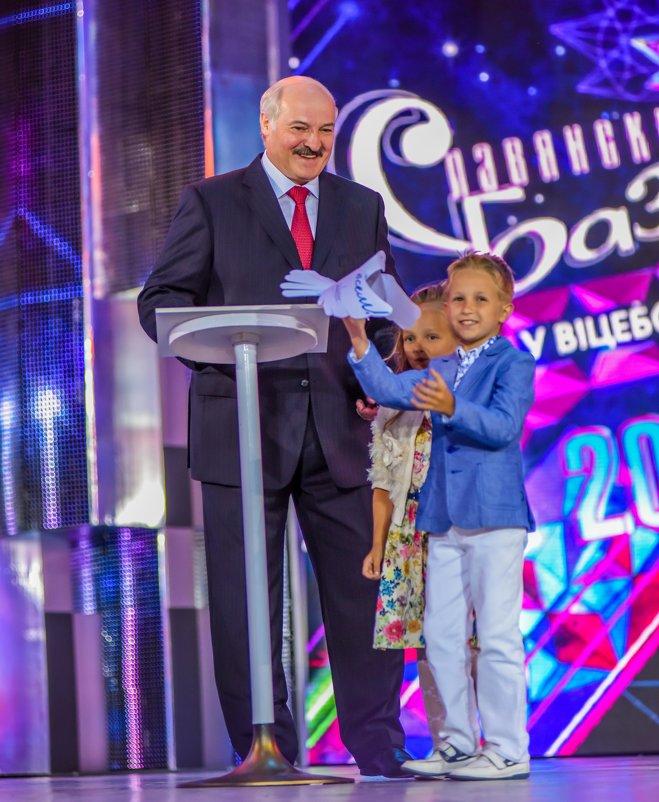 Глава государства Республики Беларусь - Виктор Николаев