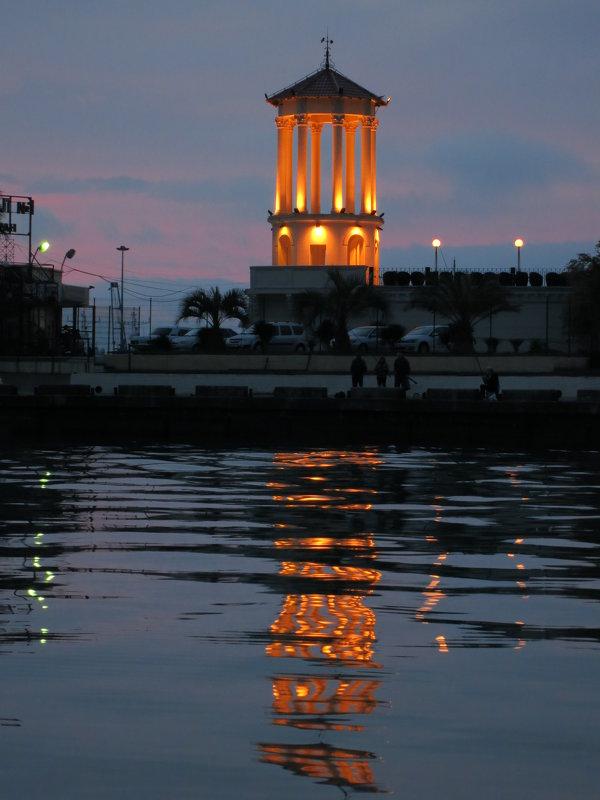 Вечер в Морском порту Сочи - valeriy khlopunov