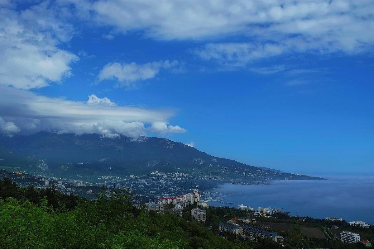 Ялта и облака - M Marikfoto