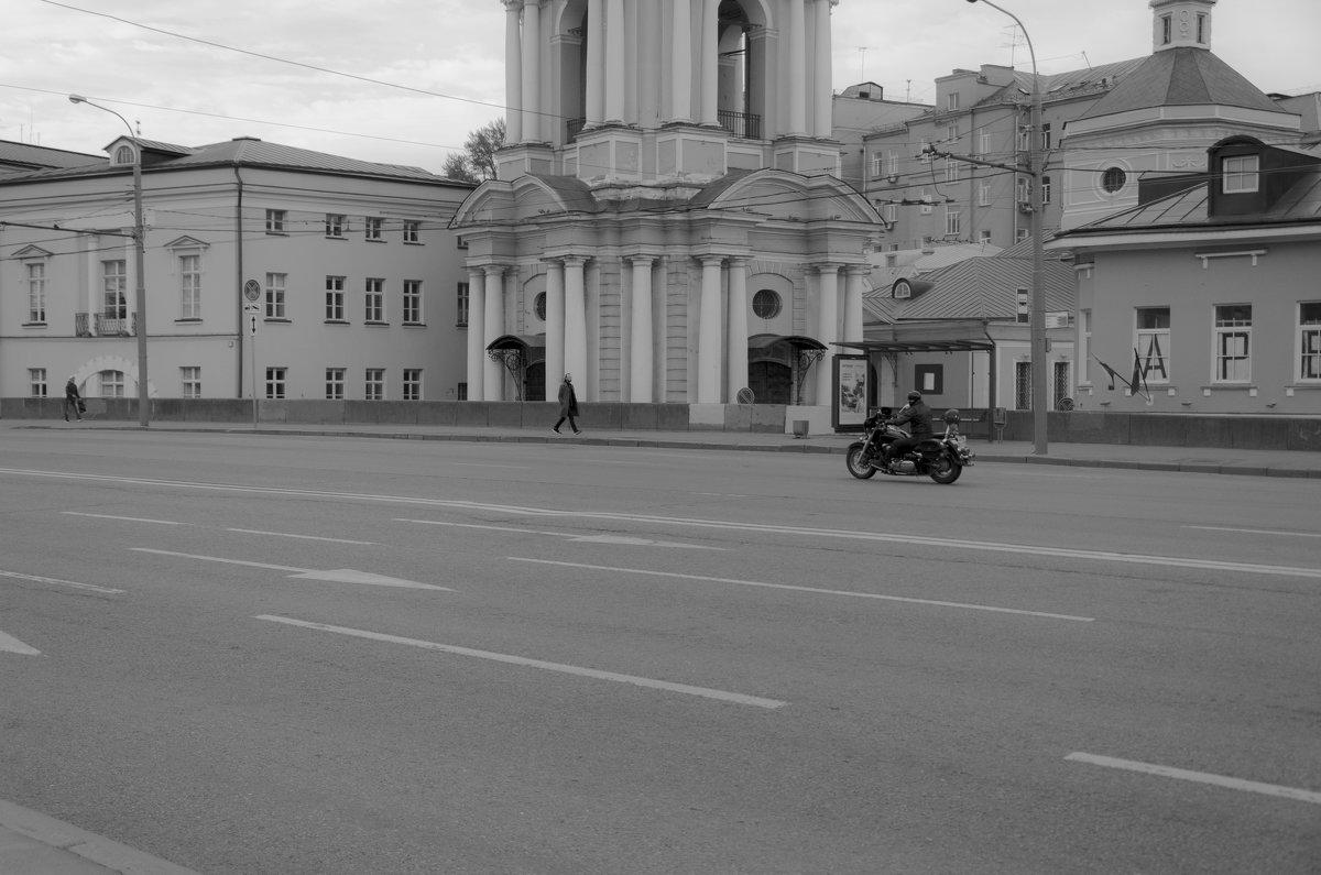 Одинокий байкер - Константин Сафронов
