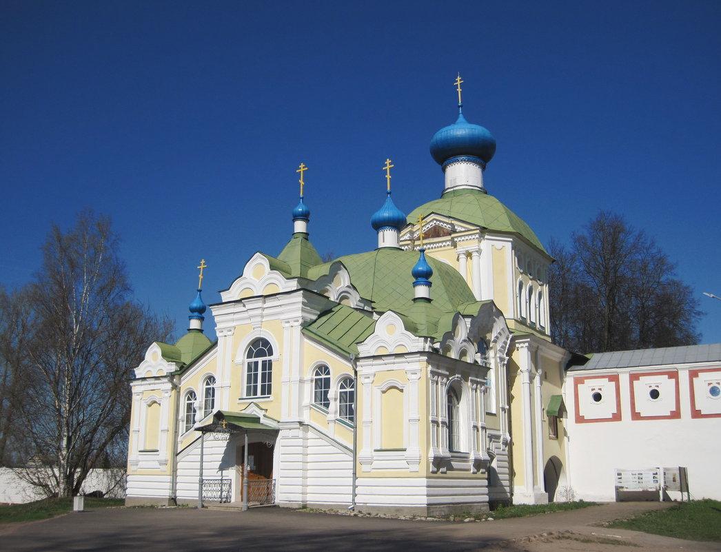 Крылечко церковь - Ольга Варванец