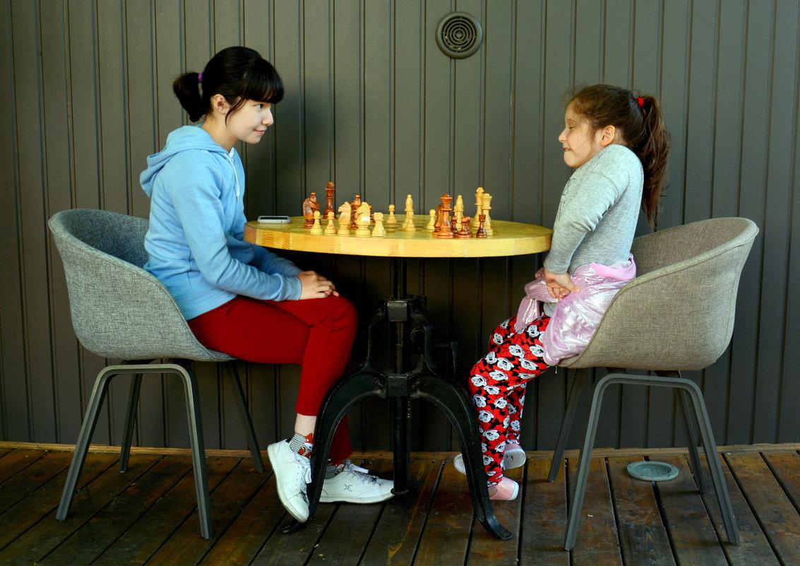 Игра в шахматы - Асылбек Айманов