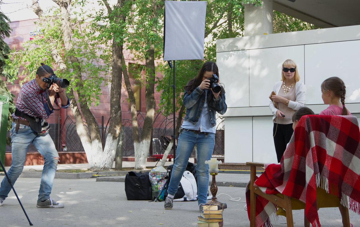 Уличные фотографы - Нина