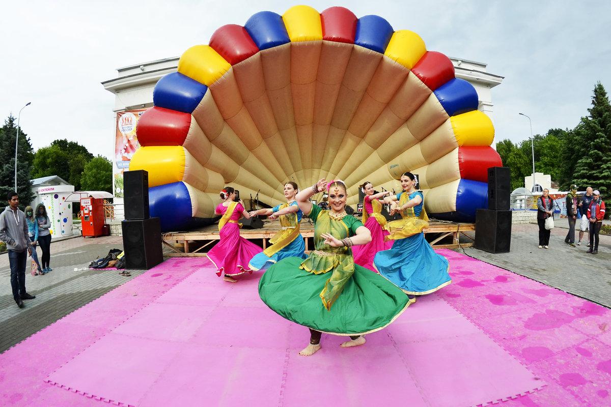 Народные танцы - Asya Piskunova