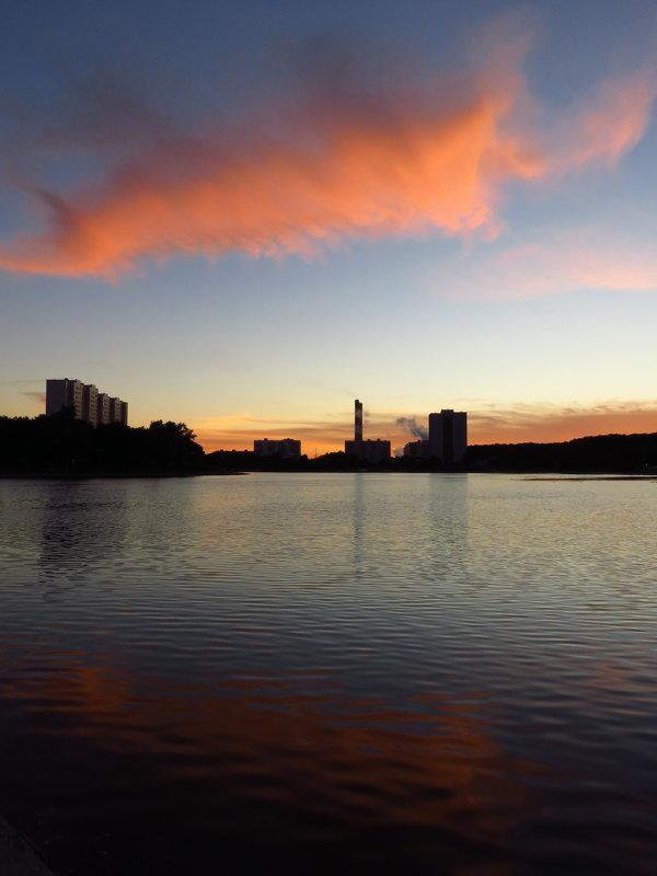 Снова закат на городском пруду - Андрей Лукьянов