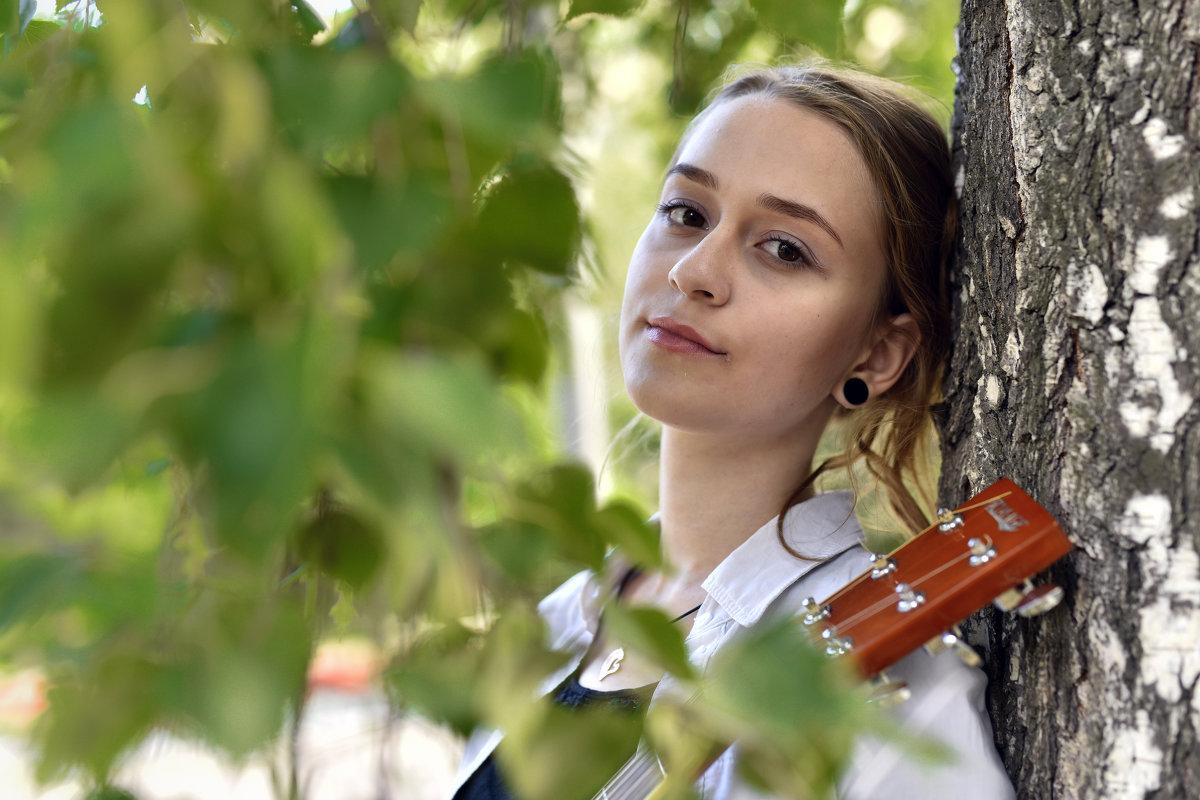 Портрет с гитарой - Сергей Добрыднев