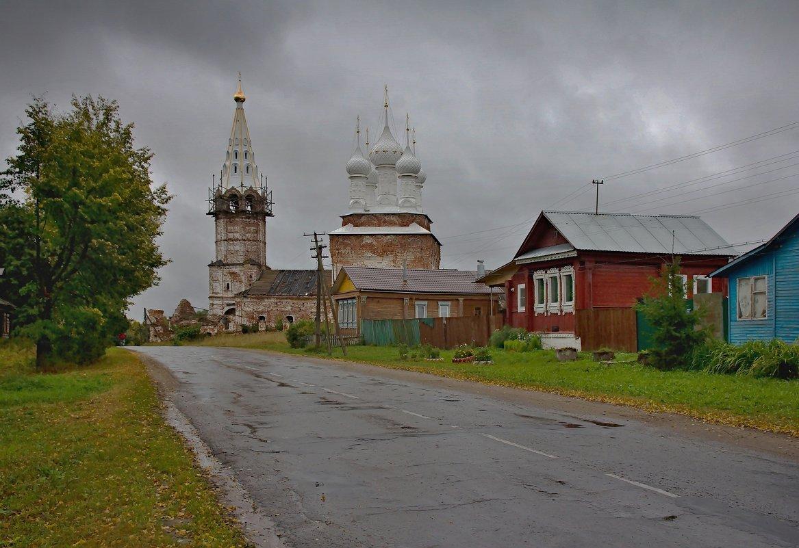 На главной улице в селе - Константин