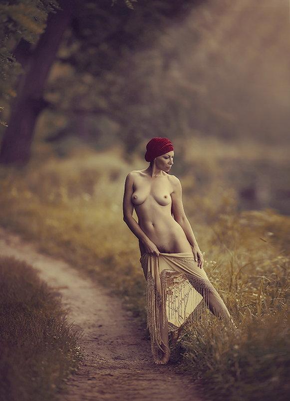 Плеяда чувств ее беспечных, природе нежно  отдана.... - Елена