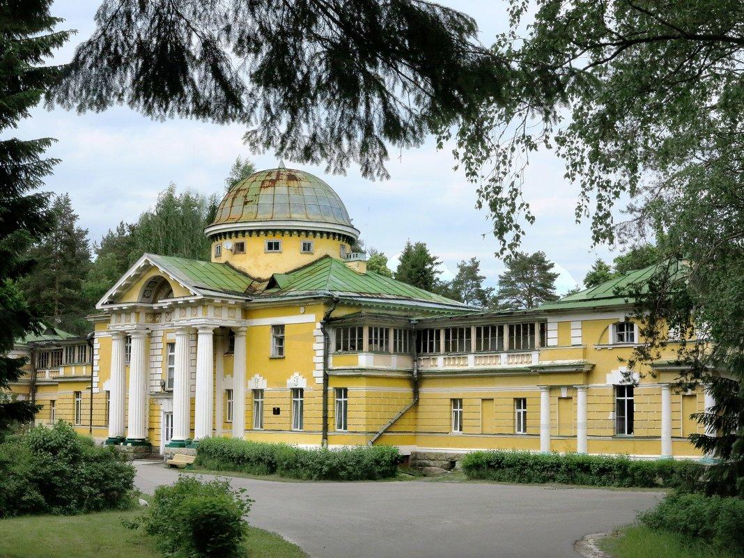Старое имение в Лужском районе. Дом отдыха - Наталья