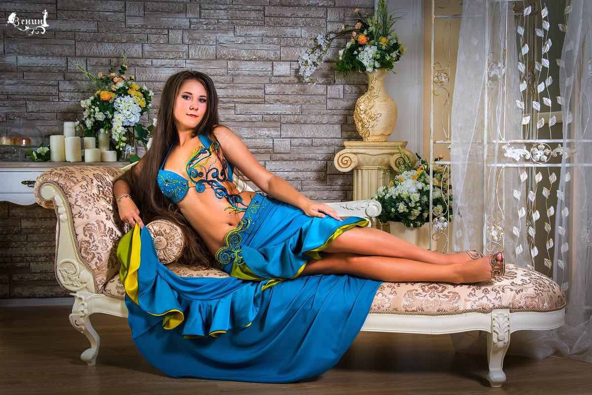 Танцовщица - Виктор Зенин