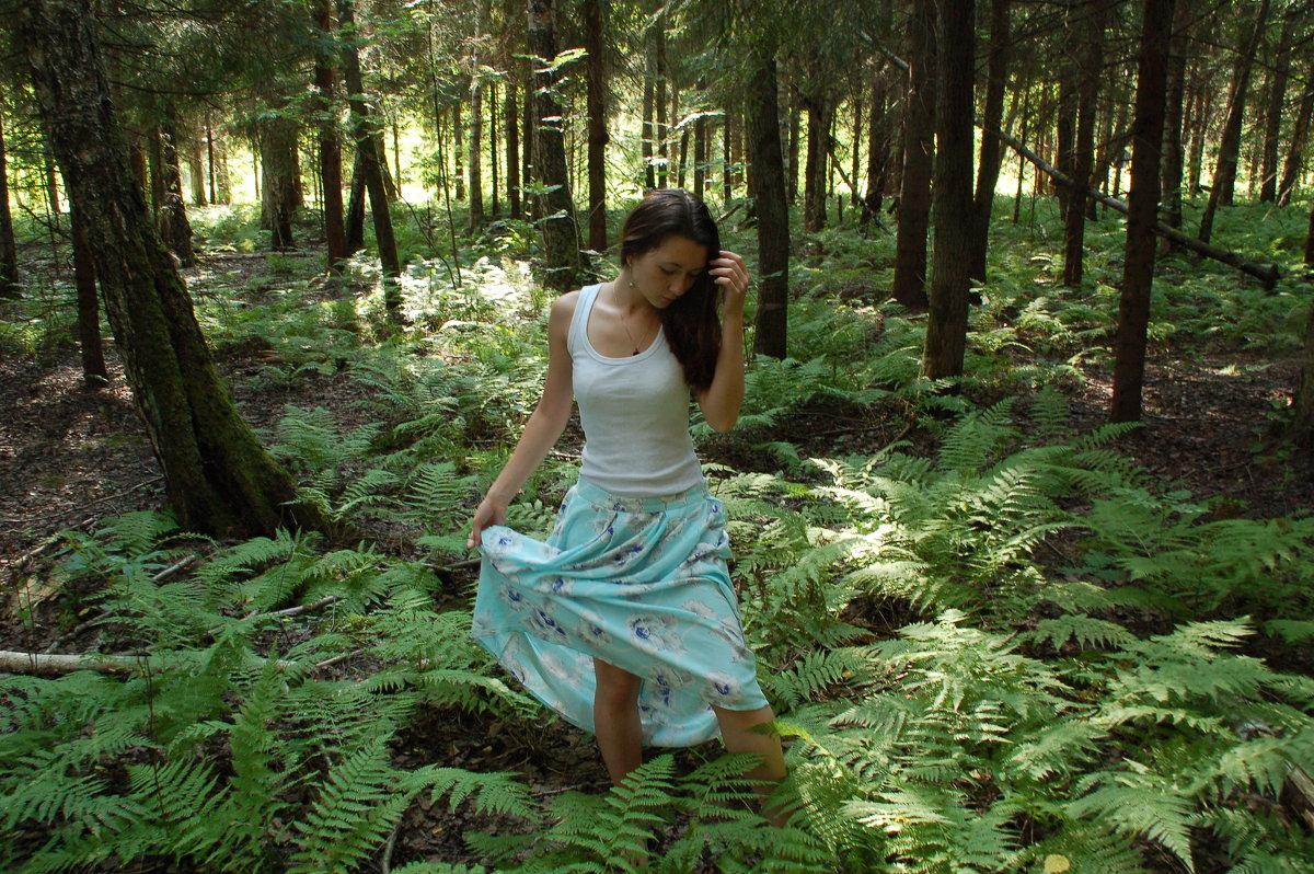В лесу - Светлана Двуреченская