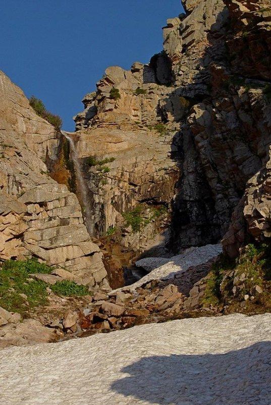 ПРОГУЛКА, водопад. - Виктор Осипчук