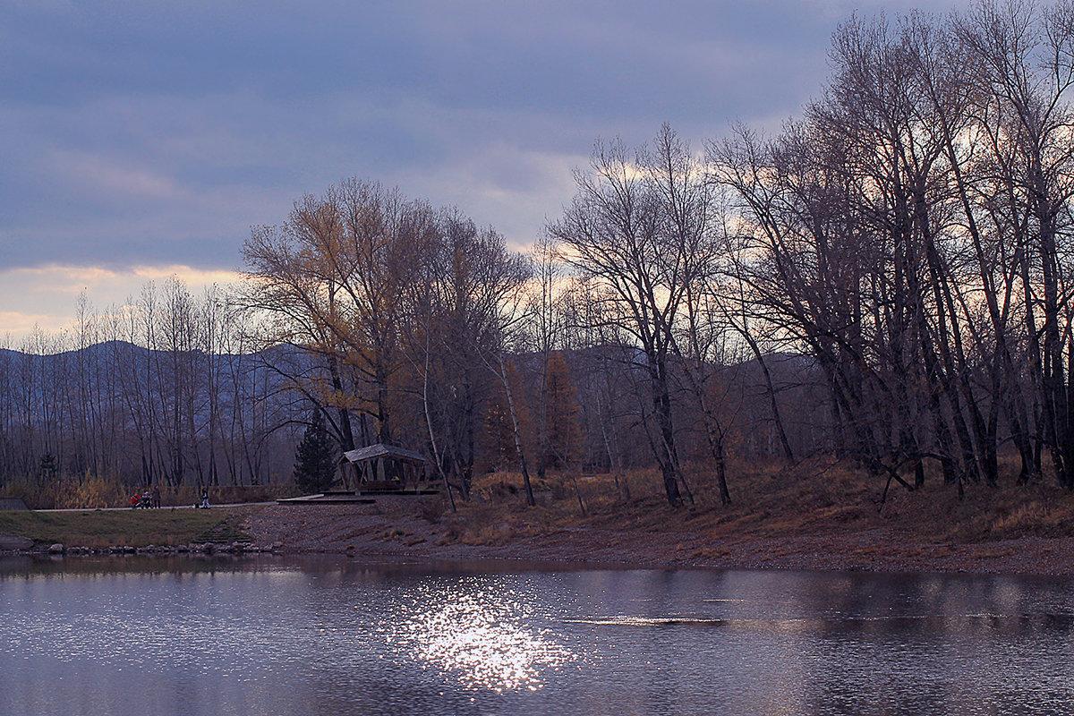 Вечерело, серебром блеснуло по воде - Екатерина Торганская