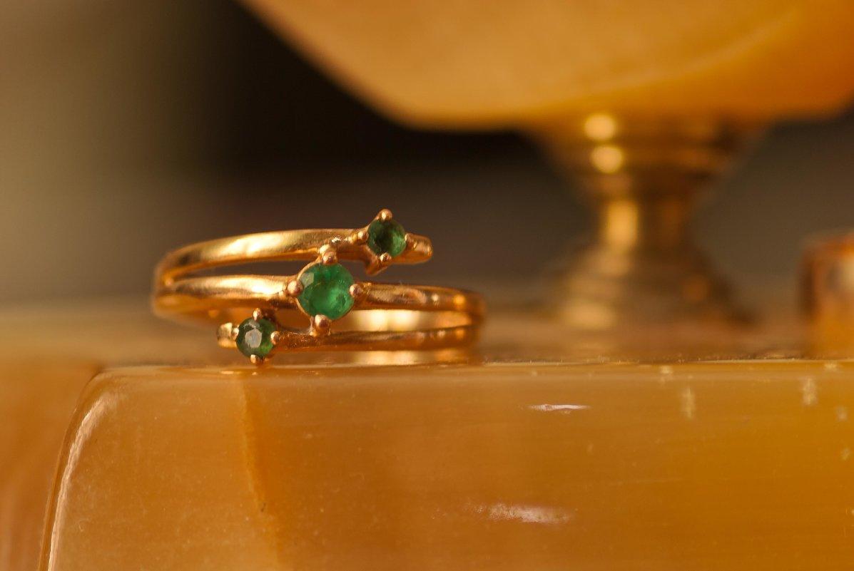 Emeralds - Юрий Арасланов