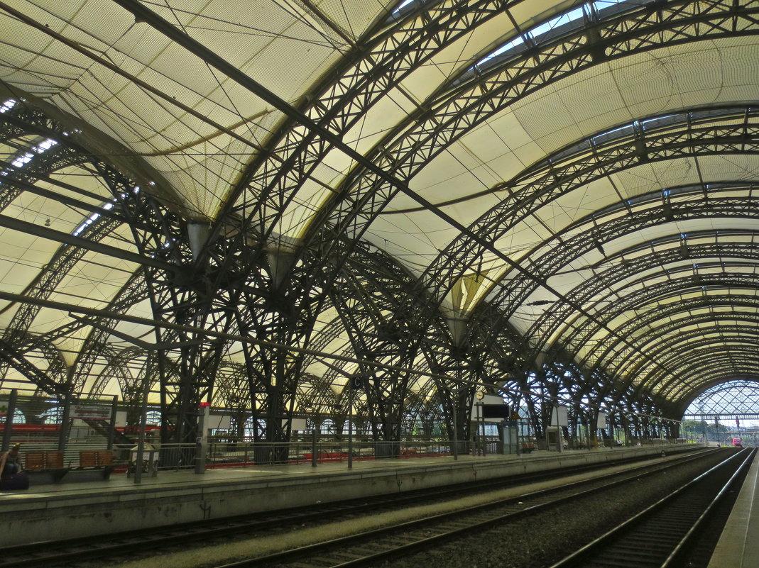 ажур дрезденского вокзала - Елена