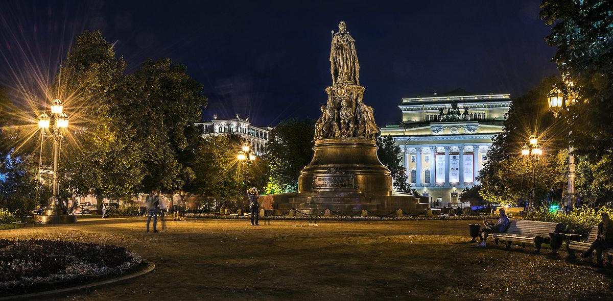 Памятник Екатерине Второй (Санкт-Петербург) - Борис Гольдберг