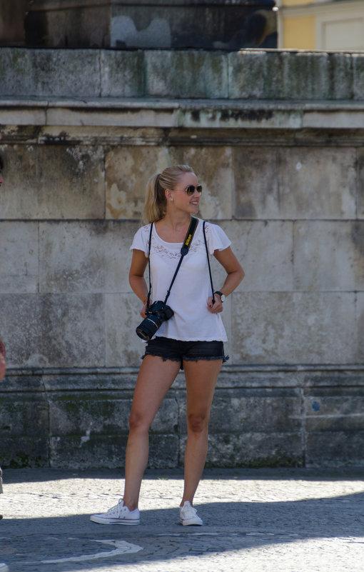 Девушка с Nikon - Eugen Pracht